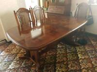 6 seat American pine dinning table and chairs.