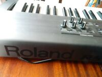 Roland RS 50 keyboard /Roland Cube 15xl Cable