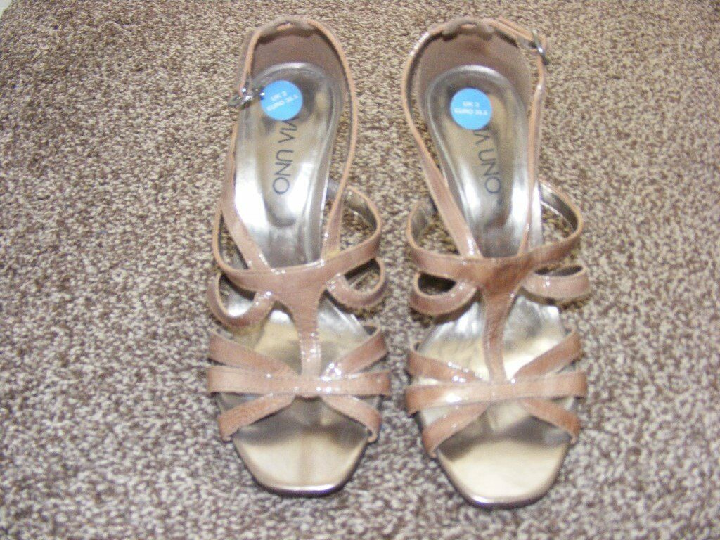 New Italian Leather Patent Shoes Size 3