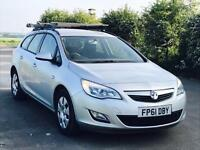 VAUXHALL ASTRA 'EXCLUSIVE' (2012 MODEL) '1.7 CDTI - ECOFLEX - 6 SPEED' **AIR CON** (1 OWNER)
