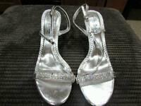 Size 8 women's heels new