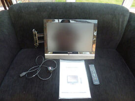 "GRUNDIG FREEVIEW DIGITAL TFT LCD TV - 19"" SCREEN - WITH WALL MOUNTING BRACKET"