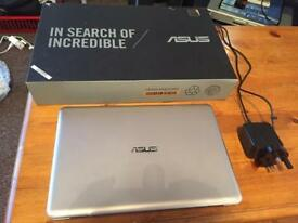 ASUS E200HA Gold Netbook