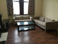 **INCLUDES BILLS**A LARGE SUPER STUDIO APARTMENT LOCATED WITHIN WALKING DISTANCE TO HOUNSLOW RAIL ST