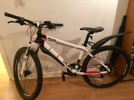 Mountain bike - 2017 - Calibre Two.Two V2 Alloy Hardtail - GREAT VALUE!