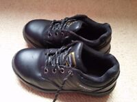 Dunlop Kansas, steel toe cap, heavy duty shoes, SMALL size
