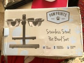 Adjustable height stainless steel twin dog or cat bowl stand
