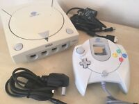 Sega Dreamcast Games Console + Controller + All Leads - Excellent Condition & Fully Working