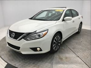 2017 Nissan Altima * 2.5 SV * TECH * TOIT * MAGS * BLUETOOTH *