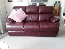 Nearly new 3 seater leather sofa.