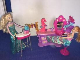 Barbie hairdressers playset and colour changing dog