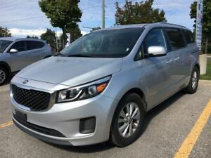 2017 Kia Sedona *LX|Apple CarPlay|Heated Seats|Rear Camera