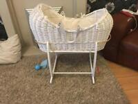 Apple and pear Moses basket