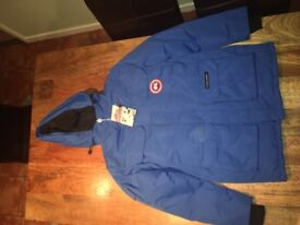 Men's Canada Goose jacket . New with tags. Size small