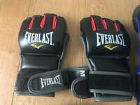 Everlast mitts and mma gloves set