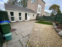 Immaculate One Bedroom Bungalow For Long Term Rental in PA8
