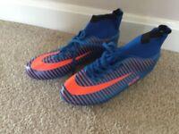 Plus 11 Football Boots