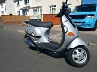 Vespa piaggo et4 50cc scooter