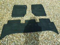 FITTED RUBBER CAR MATS (BLACK) RANGEROVER P38