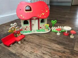 Everearth Wooden Doll House