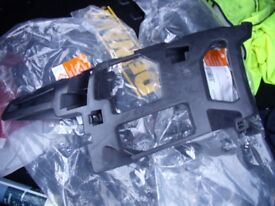 Ford Mondeo mk4 front bumper brackets .. left hand and right hand new never fitted