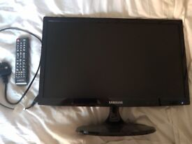 "Samsung 21"" TV with remote. Excellent condition"