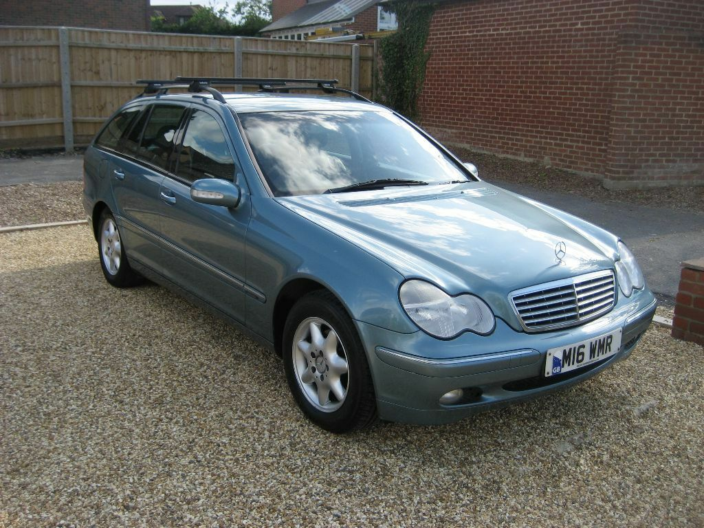 mercedes c class estate c200 kompressor elegance se 2002 in metallic blue in poole dorset. Black Bedroom Furniture Sets. Home Design Ideas