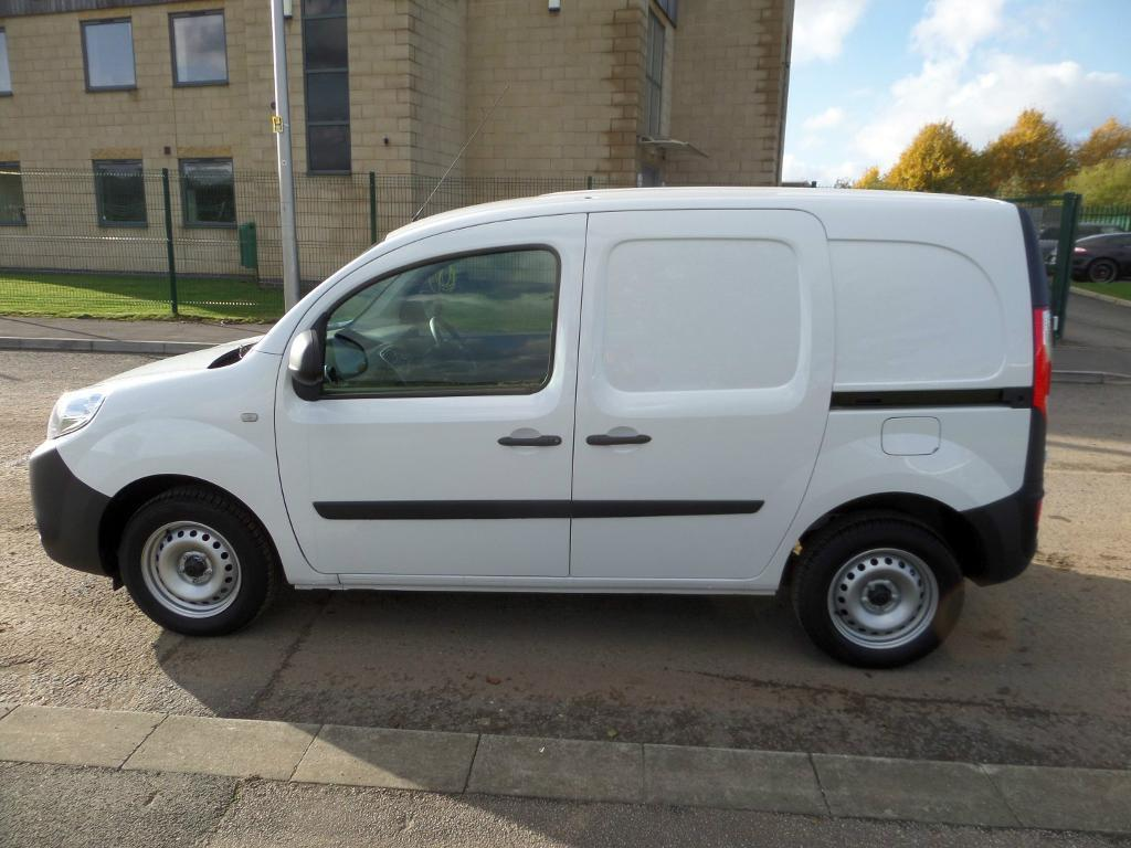 2014 renault kangoo ml19 dci 75 eco2 brand new pre registered in new ollerton. Black Bedroom Furniture Sets. Home Design Ideas