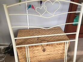 Bed head (FREE) for girl's room