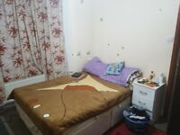 Double Room to Rent in shared house Very Clean Near Silver Street Station, N18