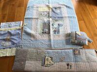 Cot bedding / bumper set