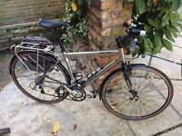 SPECIALIZED SIRRUS ELITE (CONDITION LIKE NEW) full service plus all stuff lights bag pump