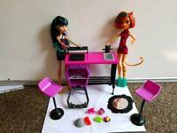 Monster high doll play set. Cleo toralei chairs oven food mirror vgc pet smoke free
