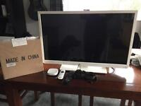 """TOSHIBA 32"""" LCD TV w/ built in DVD Player, NOW tv box and brand new wall bracket"""