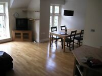 Lovely 2 double bedroom, two bathroom furnished flat off Clifton Triangle to rent