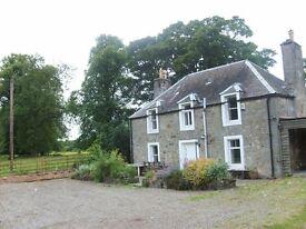 West of Edinburgh. 2 bedroom Cottage on Private Family Estate (Kirkliston). Airport 4 miles