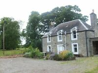West of Edinburgh. 2 bedroom Cottage on Private Family Estate (Kirkliston). Airport 4 miles