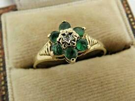 9CT GOLD EMERALD AND DIAMOND CLUSTER RING £49