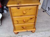 Beautiful pine drawers with 3 drawers REDUCED REDUCED REDUCED