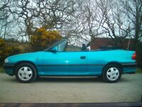 ONE PREVIOUS OWNER CLASSIC MK3 ASTRA CONVERTIBLE