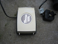 FISH TANK PUMP WHISPER 600 EXCELLENT WORKING ORDER