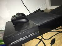 Xbox one , with Kinect + a controller , all works fine , good condition , comes with all the cables