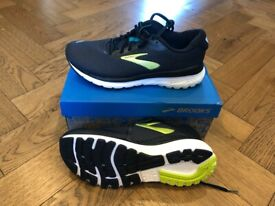 NEW Brooks running trainers, men's size 8.5
