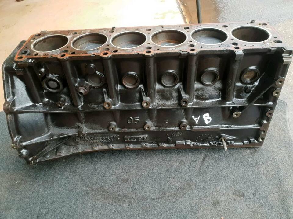 Mercedes Benz W124 W126 W201 Motorblock 6 Zylinder 1030110501 RES in Aschaffenburg