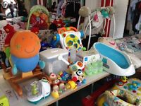 "MUM2MUM MARKET BABY AND KIDS' ""NEARLY NEW"" SALE - South Kensington - 25th JUNE 1.30 - 3.30pm"