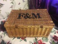 F&M Pinic Basket