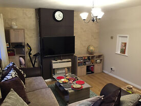 Spacious, modern style, sunny double room+terrace, Near Train Station,Brentwood, Essex