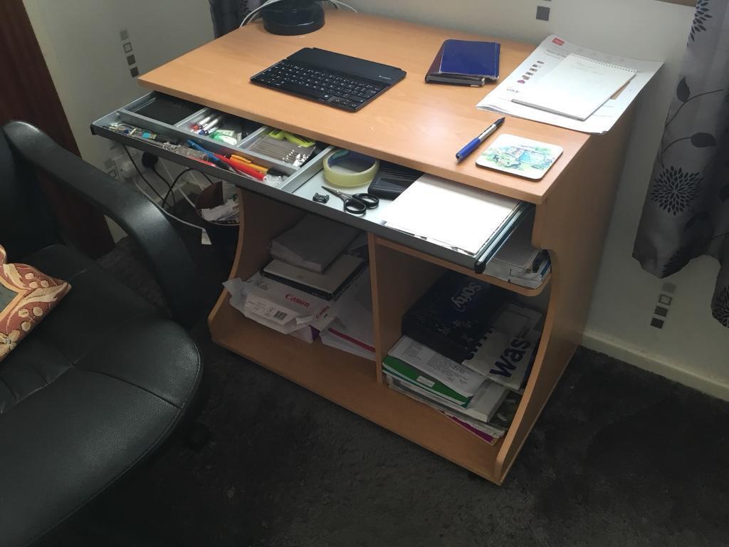 argos computer desk workstation in greenock inverclyde. Black Bedroom Furniture Sets. Home Design Ideas