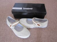 Ladies Smart Casual Leather Shoes Size 37 BNIB
