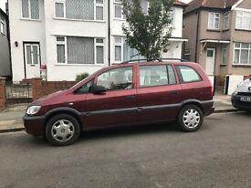 Vauxhall Zafira 1.6 Petrol 7 seater Red MOT & TAX, W reg (2000)